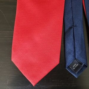 Red Power Tie in EUC Tommy Hilfiger